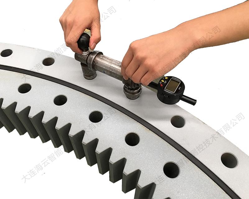 智能高精度孔心距测量仪